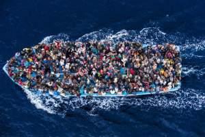 migránsok csónakon