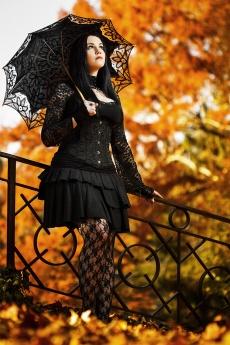 kísérteties őszi lány