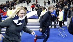 párizs, menekülnek